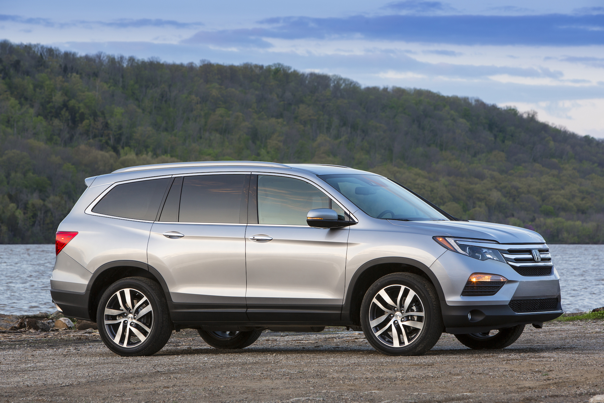 2018 honda pilot review ratings specs prices and photos the car connection. Black Bedroom Furniture Sets. Home Design Ideas