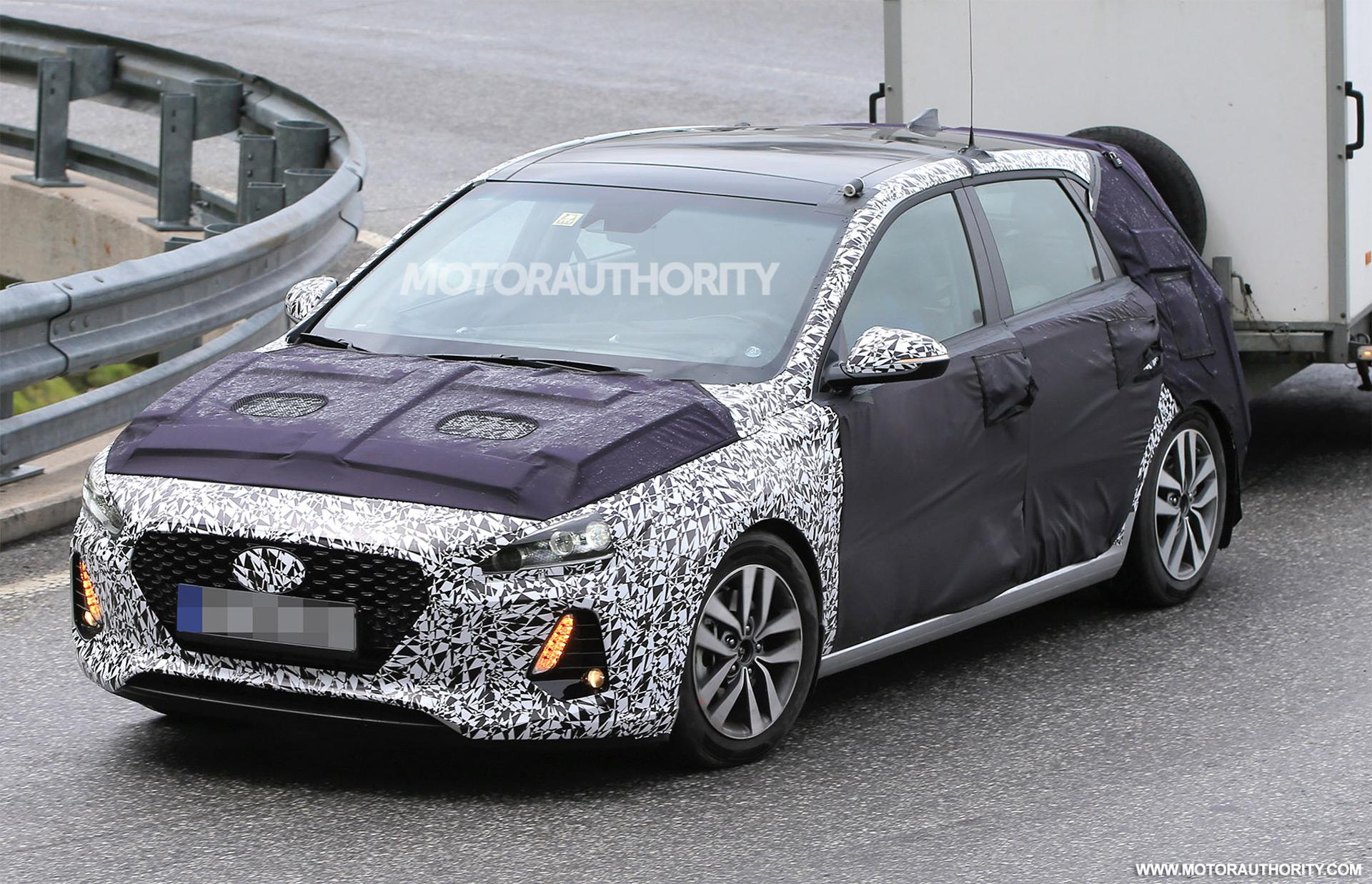 Nissan Los Angeles >> 2018 Hyundai Elantra GT (i30) spy shots