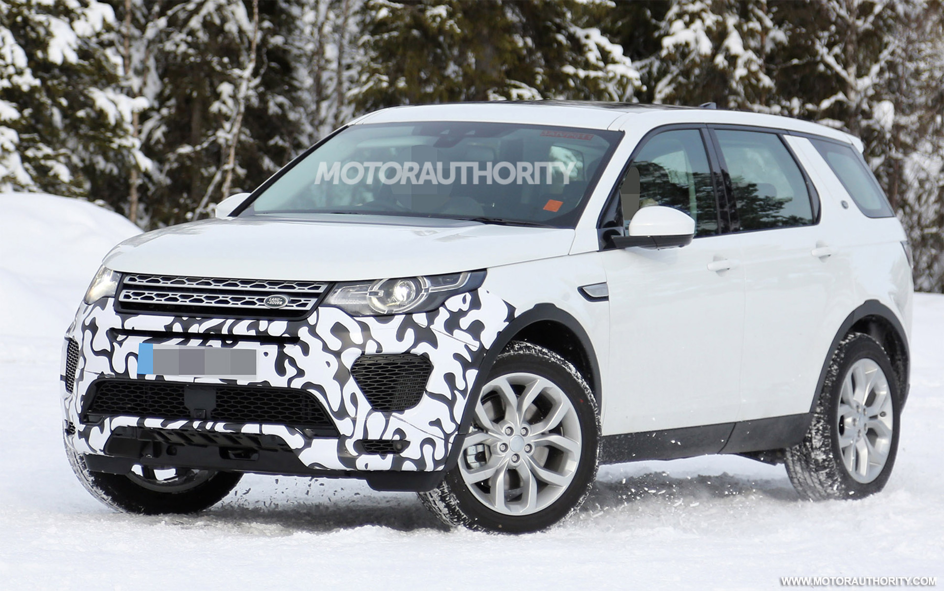 2018 Land Rover Discovery Sport performance model spy shots