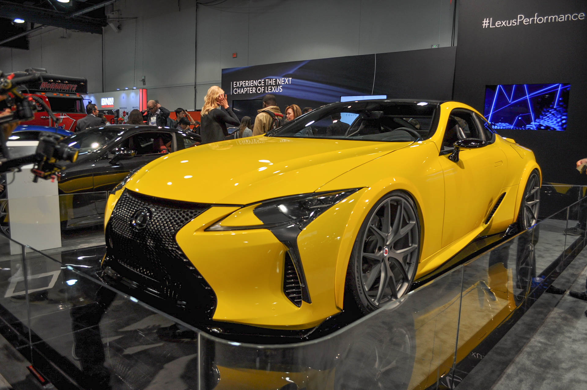 lexus lc 500 unveiled at sema ups power with enlarged v 8. Black Bedroom Furniture Sets. Home Design Ideas