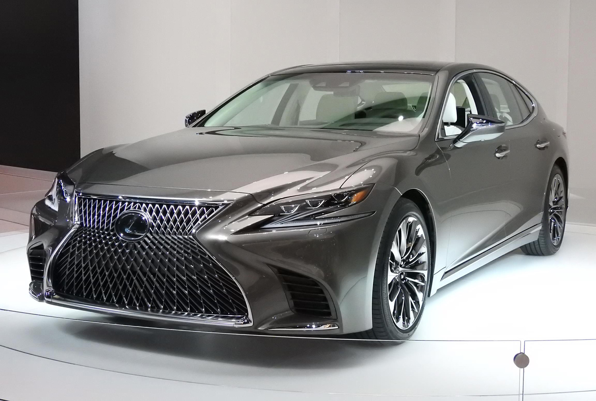 2018 lexus ls video preview