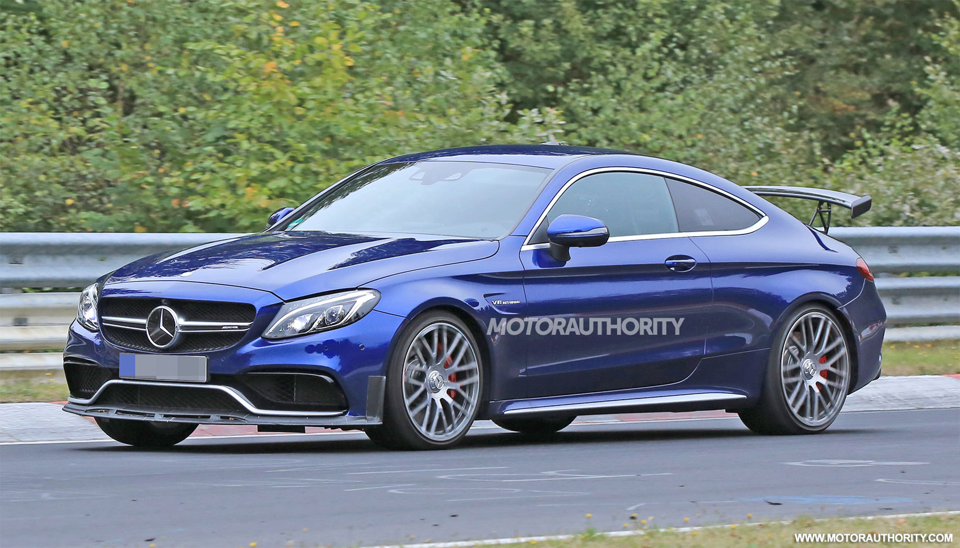 Jaguar E Type For Sale >> 2018 Mercedes-AMG C63 R Coupe spy shots and video