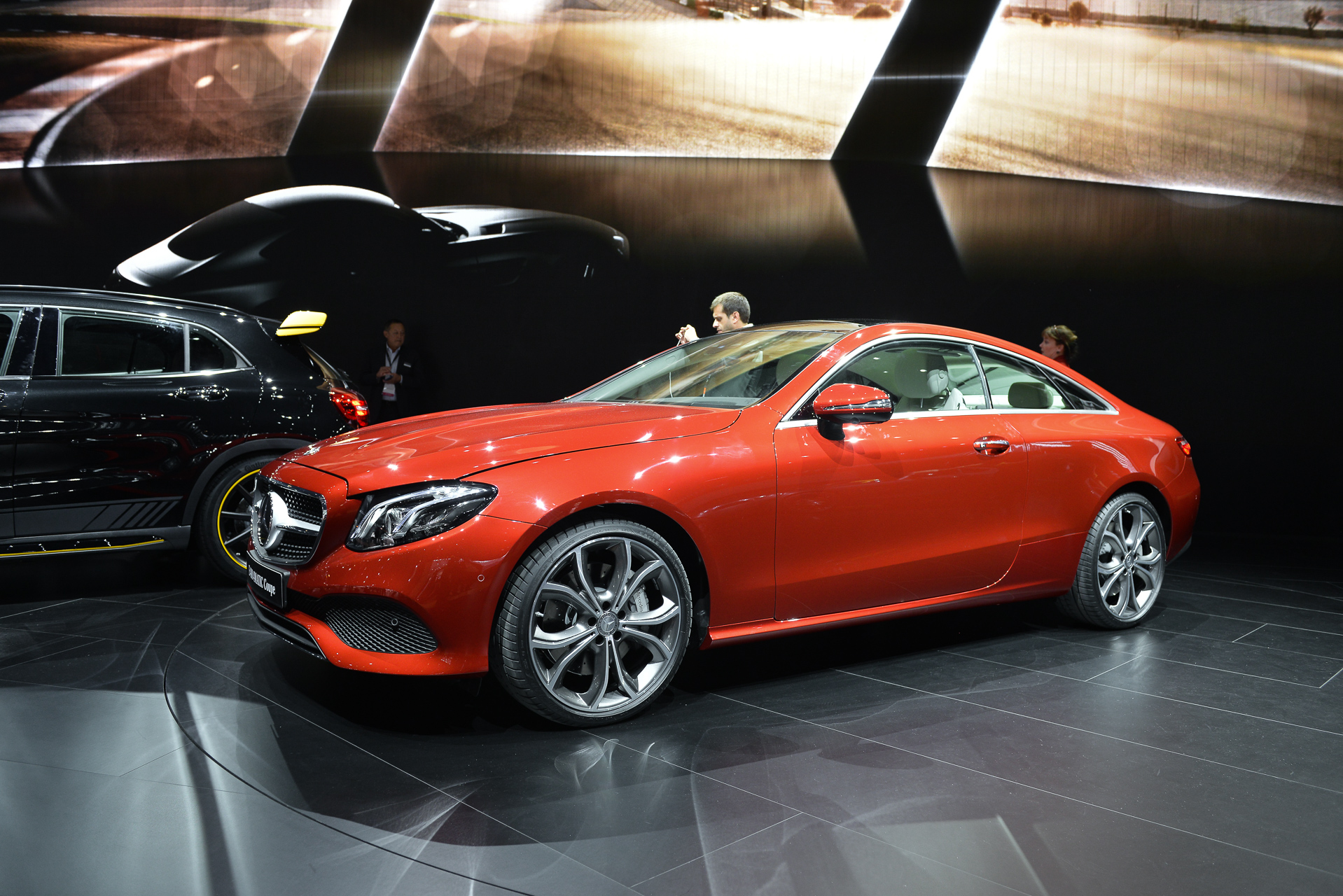 MercedesBenz EClass Coupe Adds Style To Midsize Luxury Lineup - Mercedes car show 2018