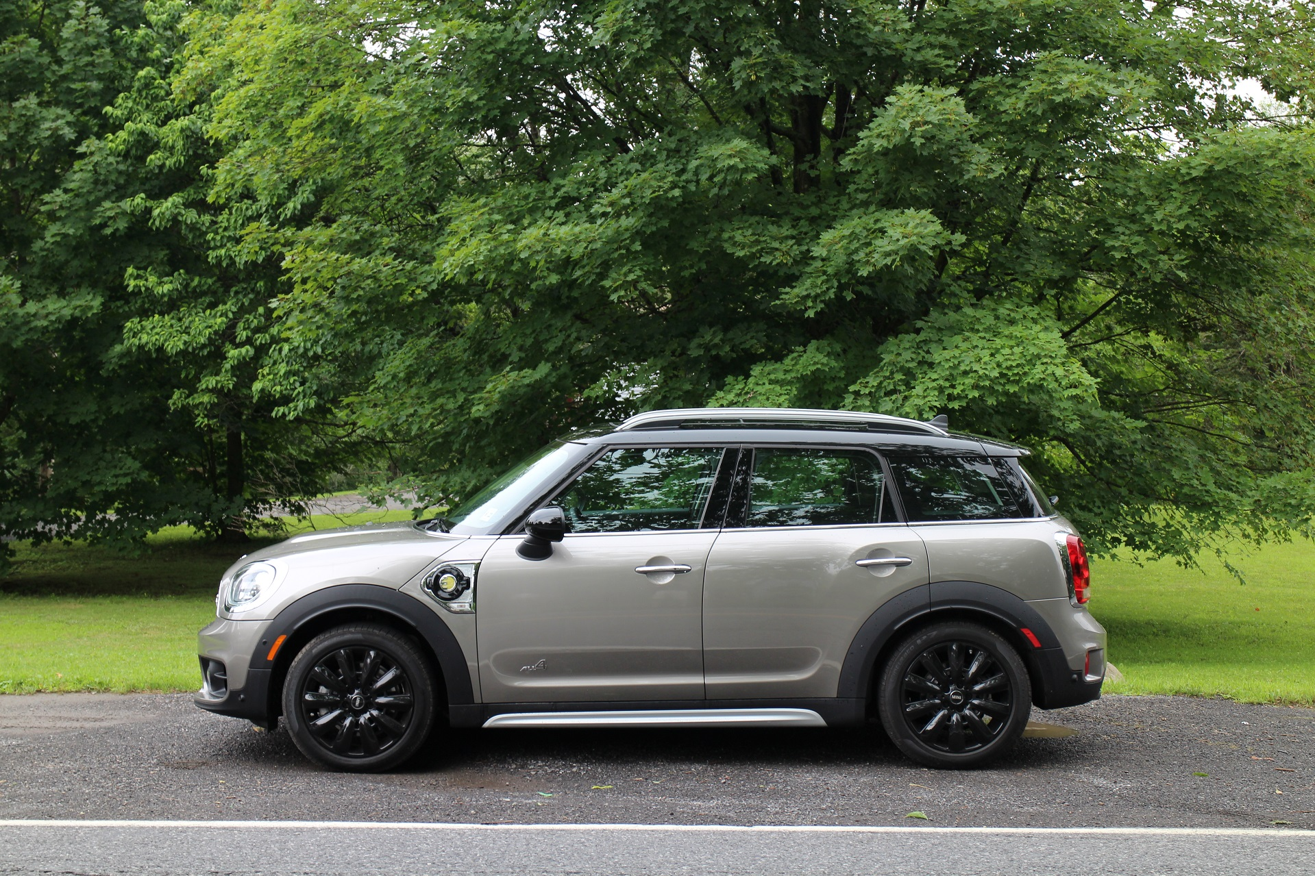 2018 mini cooper s e countryman all4 review of plug in hybrid. Black Bedroom Furniture Sets. Home Design Ideas