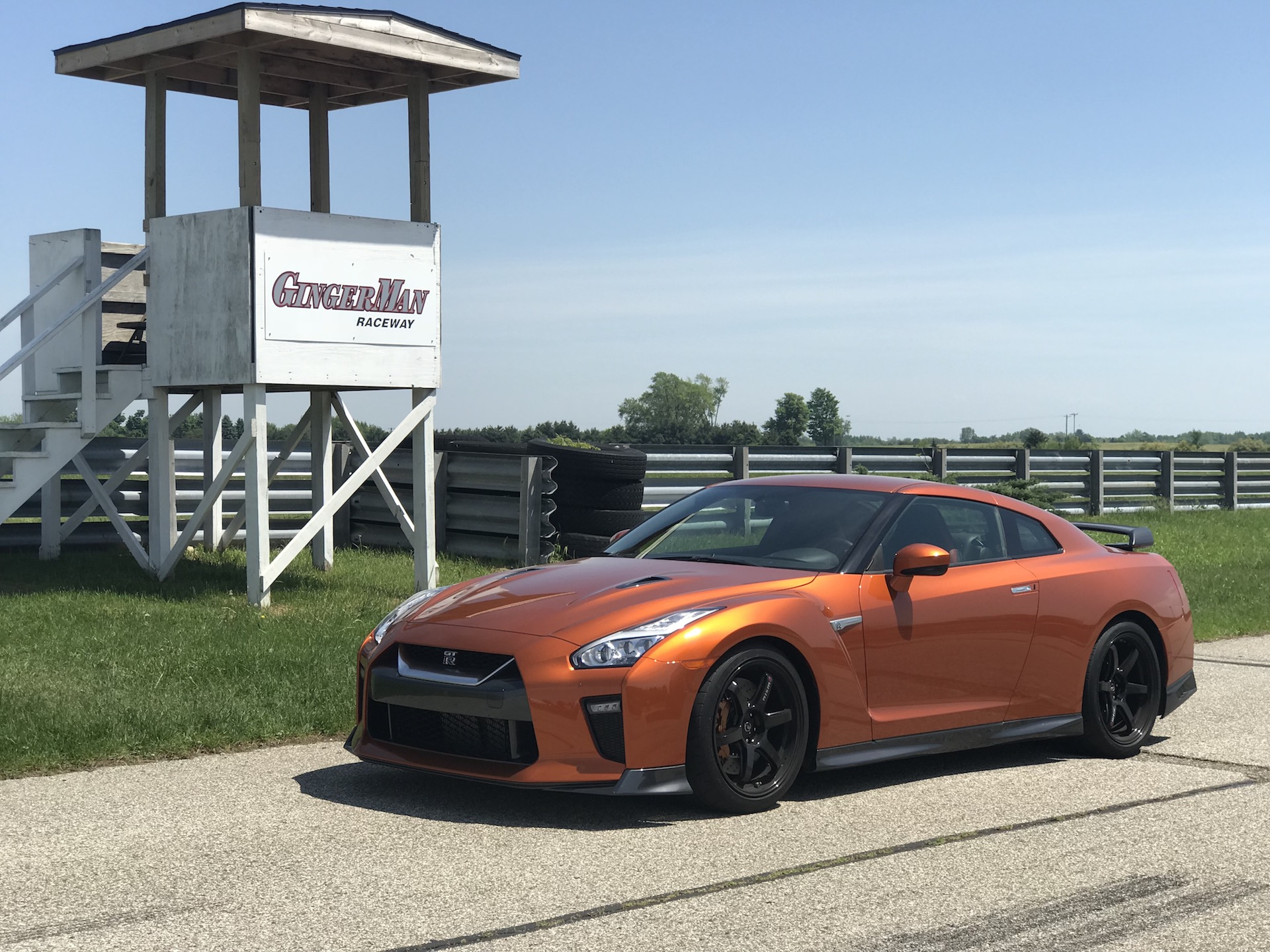 2018 nissan gt r track edition first drive review. Black Bedroom Furniture Sets. Home Design Ideas