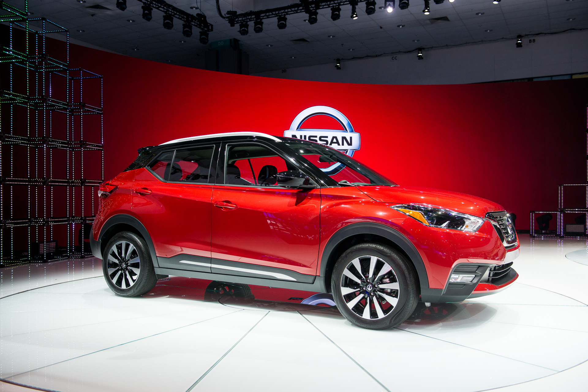 2018 Nissan Kicks Debuts As The Brand S Urban Utility Warrior