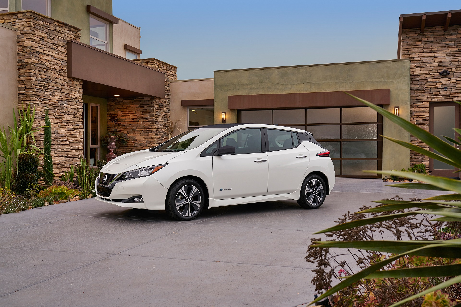 The 2018 Nissan Leaf Has Three Types Of Cruise Control How They Differ