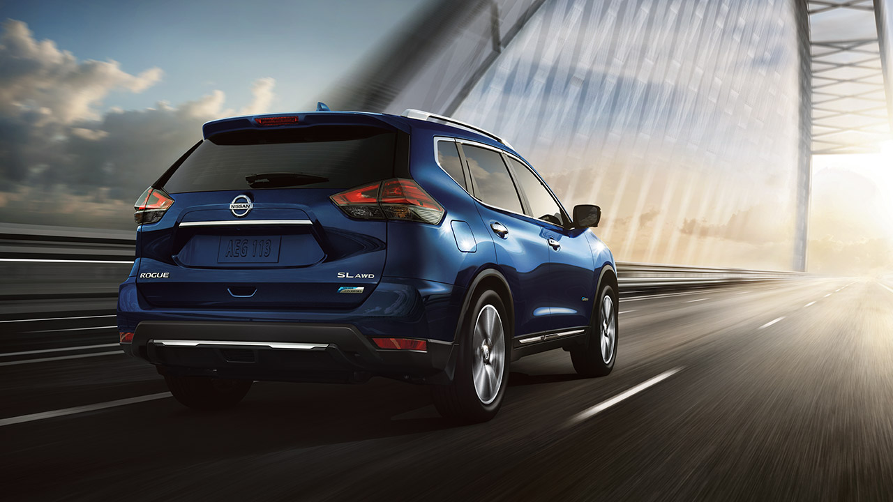 2018 nissan rogue hybrid late to the party but at least it won t drink much
