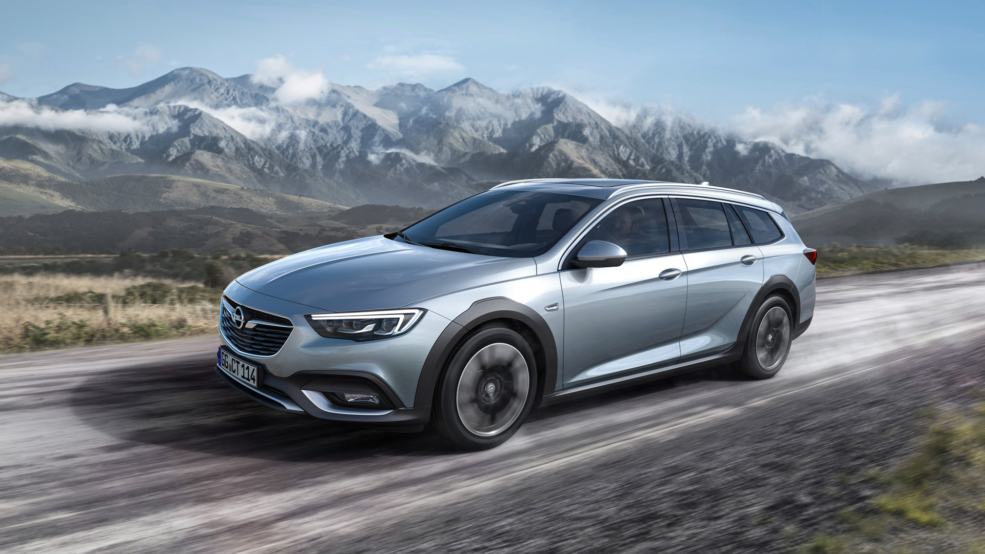 2018 buick regal tourx's euro twin is the opel insignia