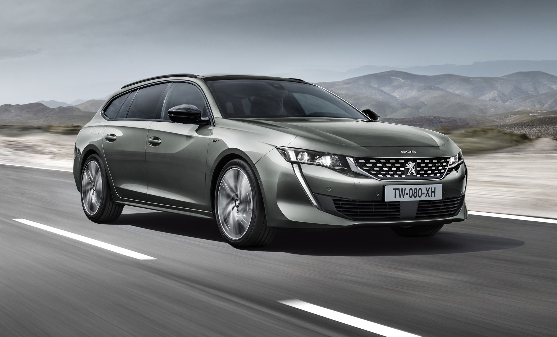 2018 Peugeot 508 SW is a handsome load lugger