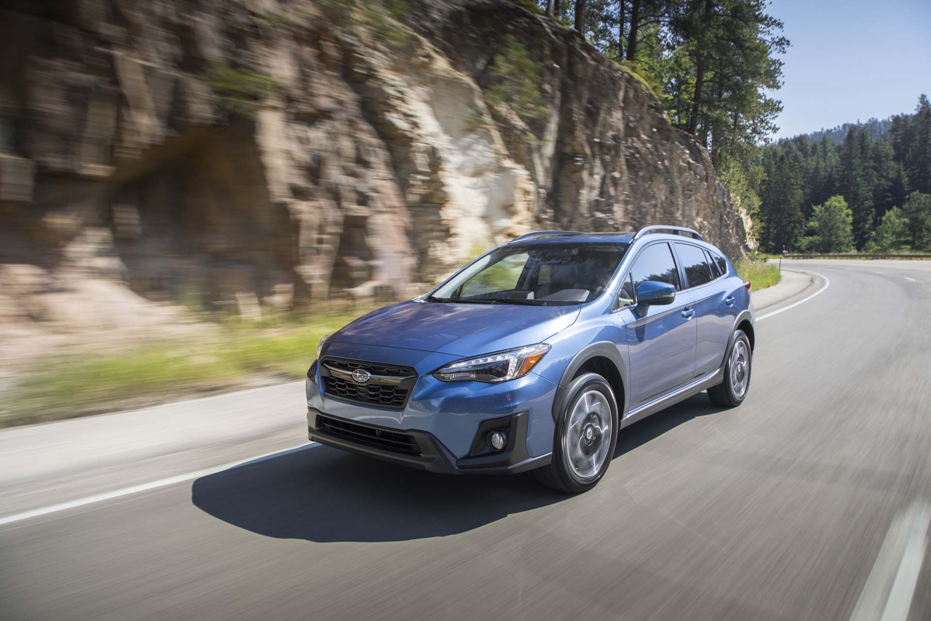 2018 subaru crosstrek styling review the car connection. Black Bedroom Furniture Sets. Home Design Ideas
