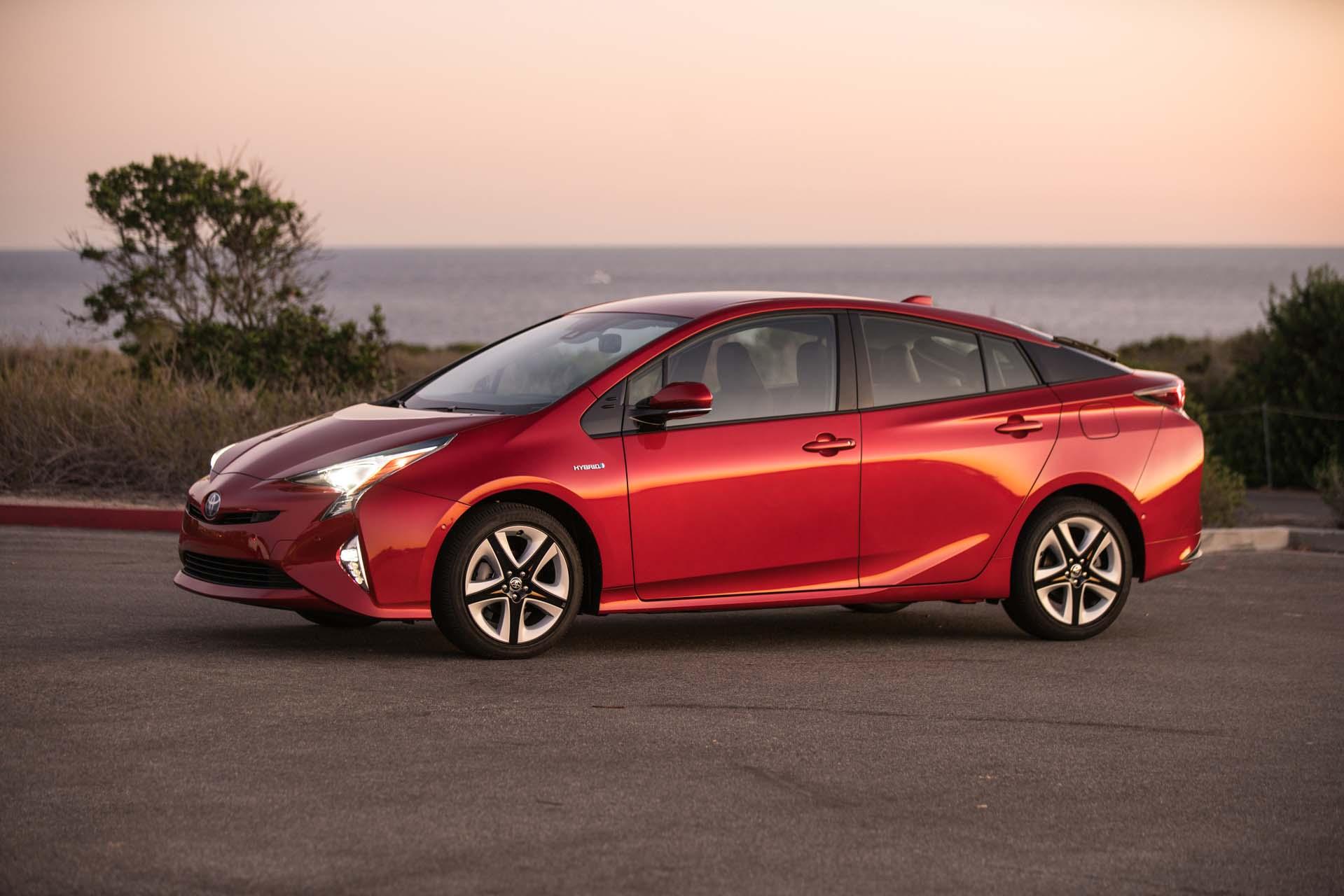 Lithium-ion vs. nickel-metal hydride: Toyota still likes ...