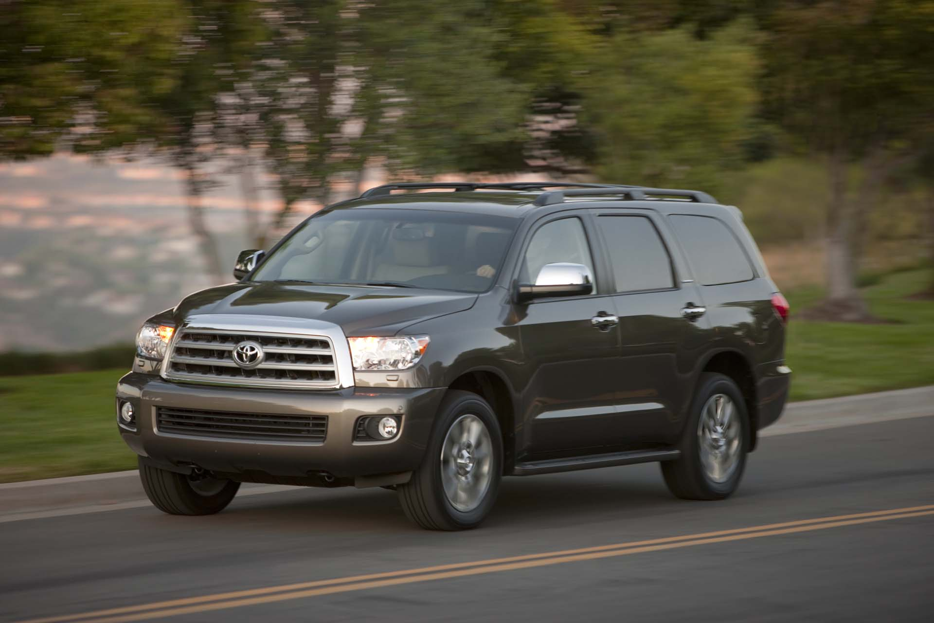 new and used toyota sequoia prices photos reviews. Black Bedroom Furniture Sets. Home Design Ideas