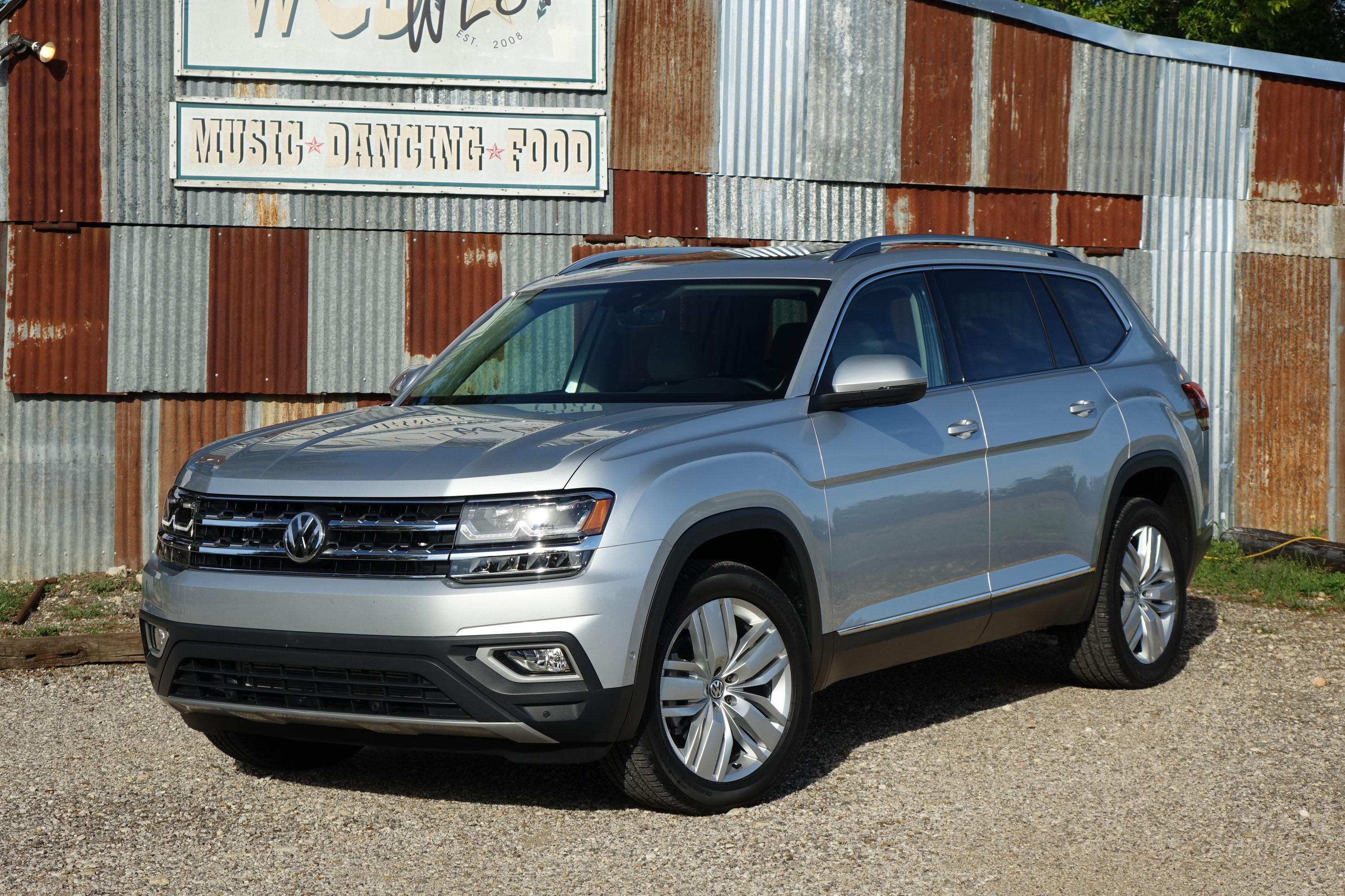 2018 volkswagen atlas first drive super sized. Black Bedroom Furniture Sets. Home Design Ideas