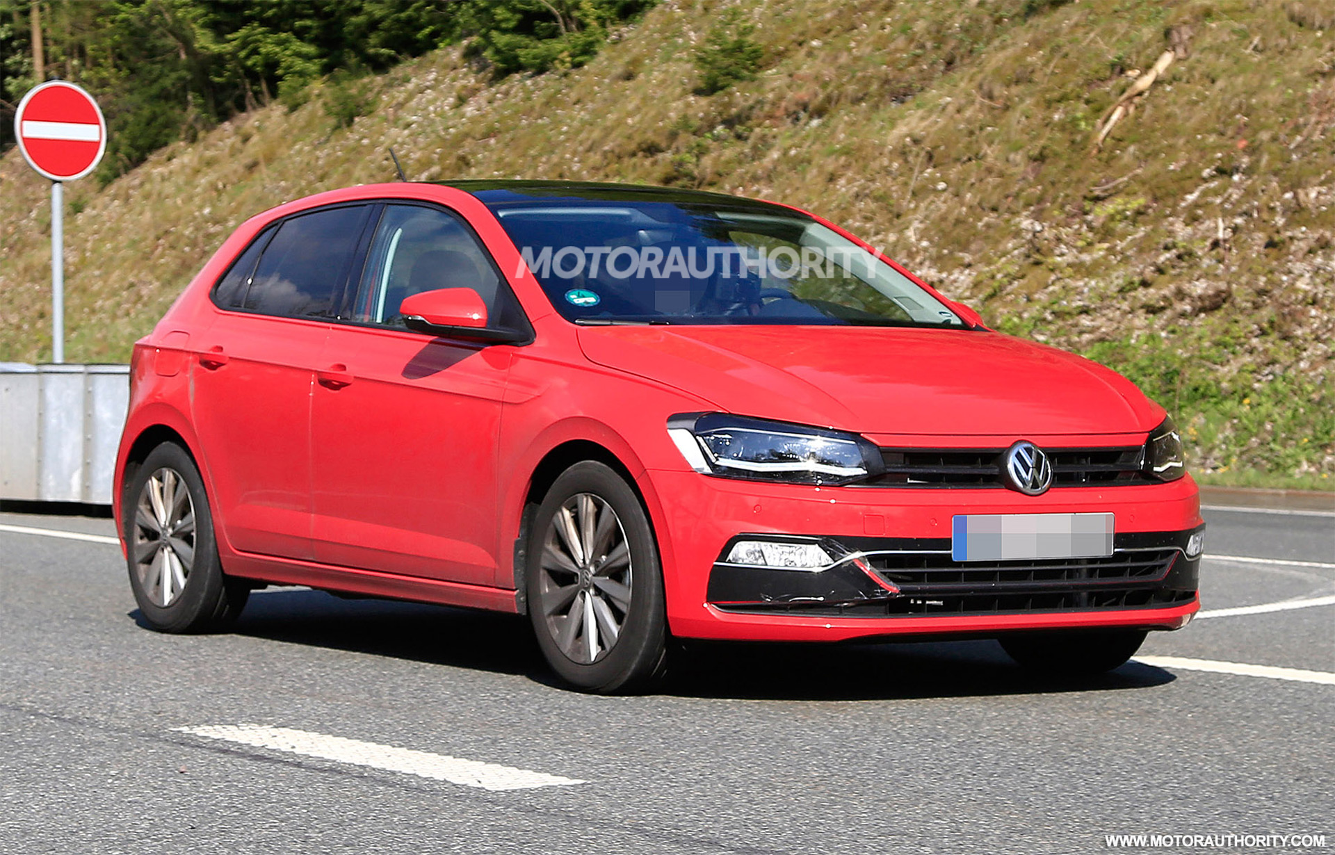 2018 Volkswagen Polo Spy Shots And Video
