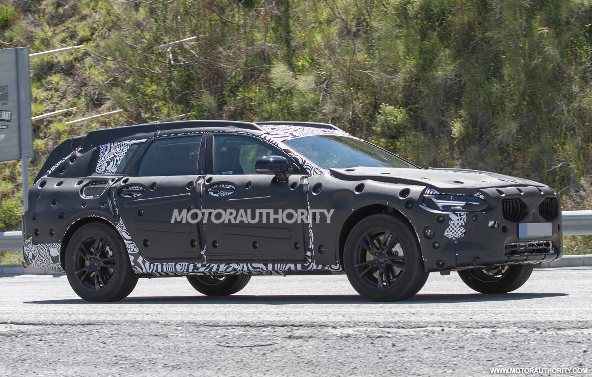 2018 Volvo V90 Cross Country Spy Shots