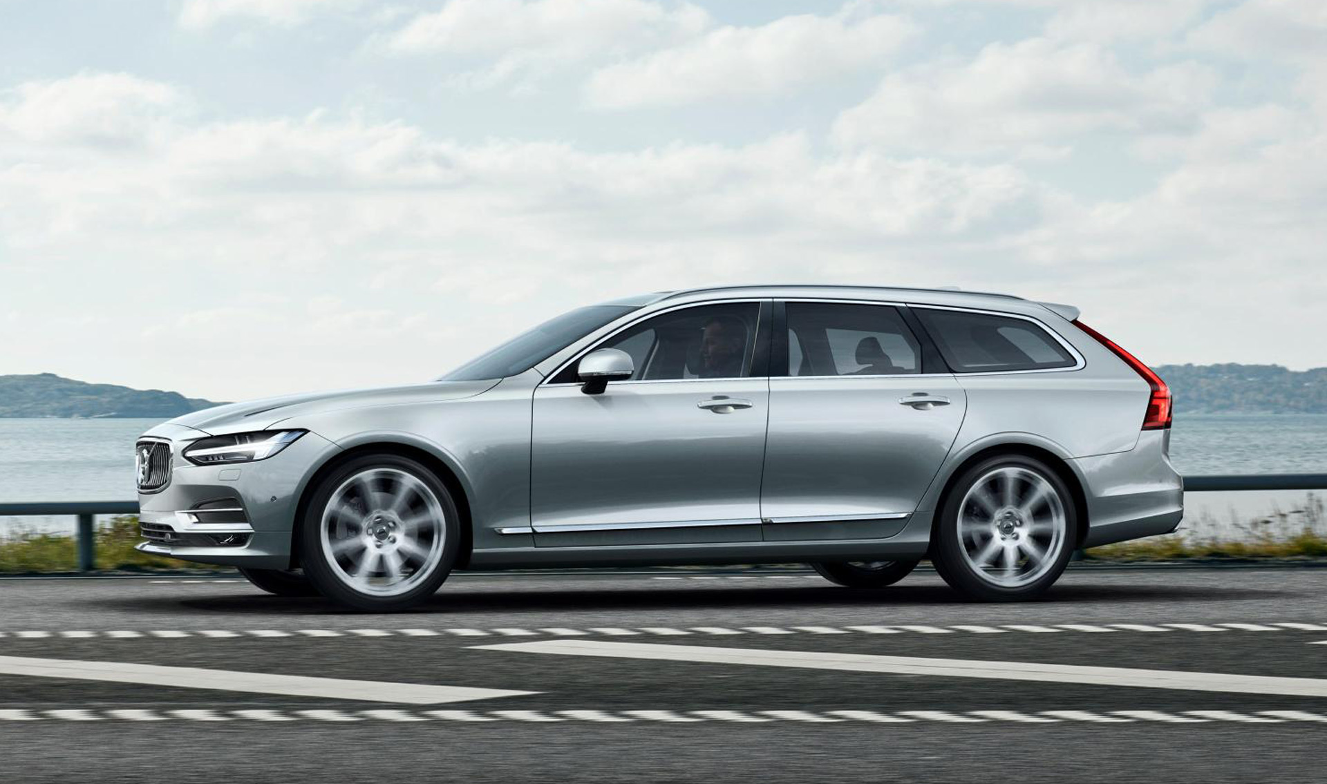 2018 Volvo V90 to make US debut at 2017 Detroit auto show