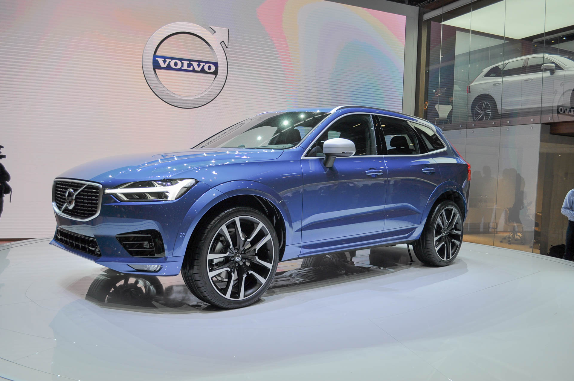 2018 volvo xc60 redesigned priced from 42 495. Black Bedroom Furniture Sets. Home Design Ideas