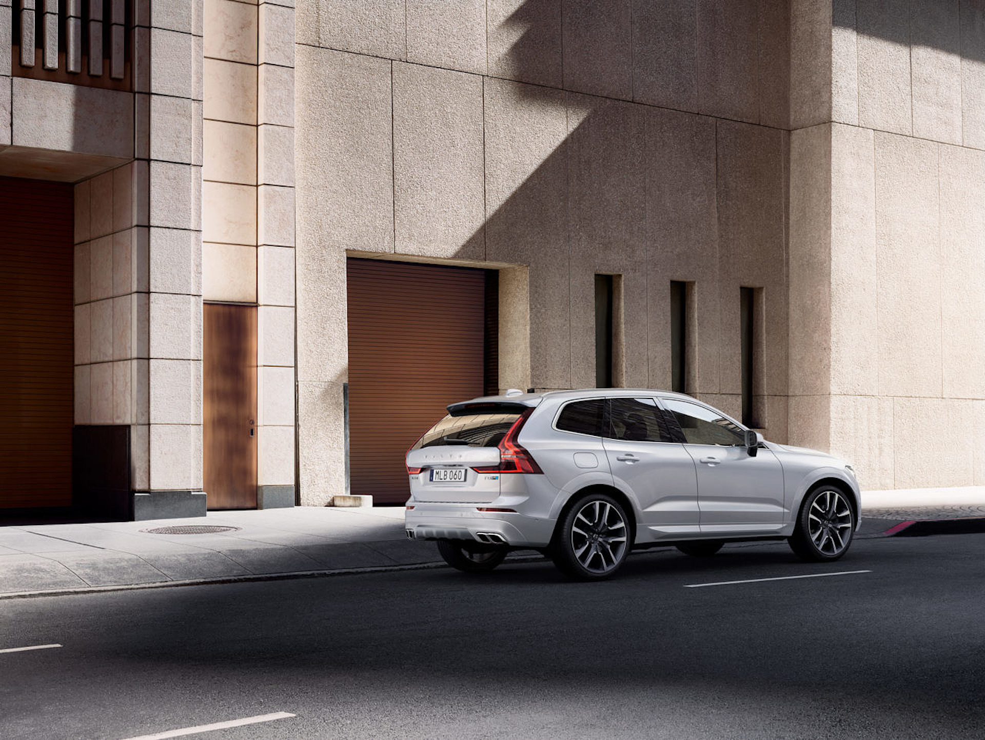 Volvo Is Paying Plug In Hybrid Drivers For All The