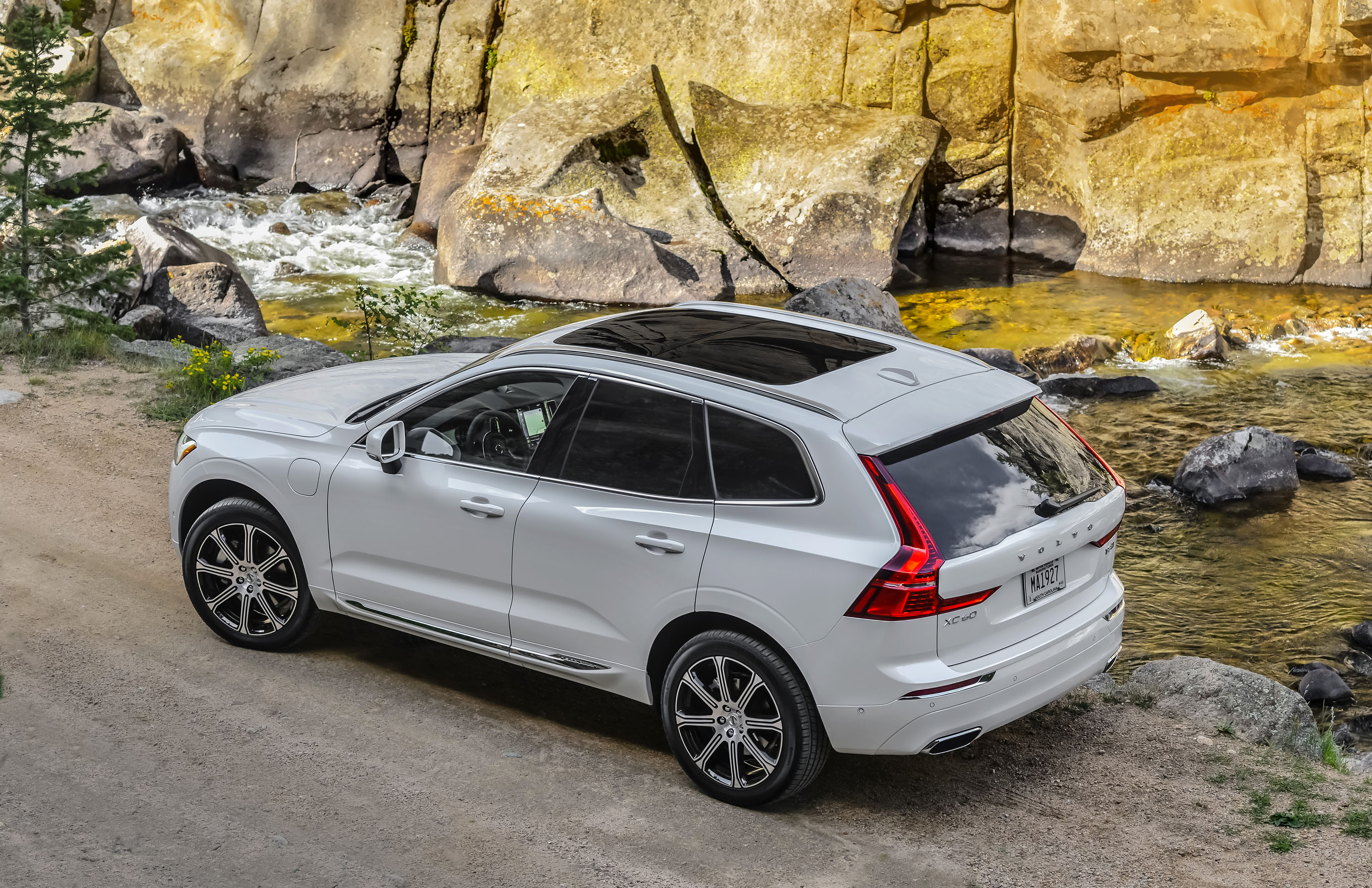 volvo in photo news and hybrid s original detroit design plug review r driver show concept the at car instrumented reviews test