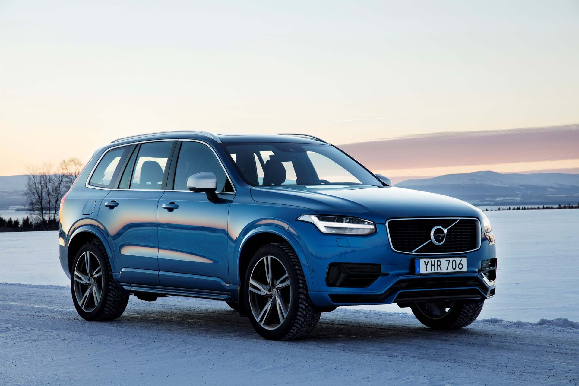 2018 volvo xc90 plug in hybrid suv bigger battery slight range boost. Black Bedroom Furniture Sets. Home Design Ideas
