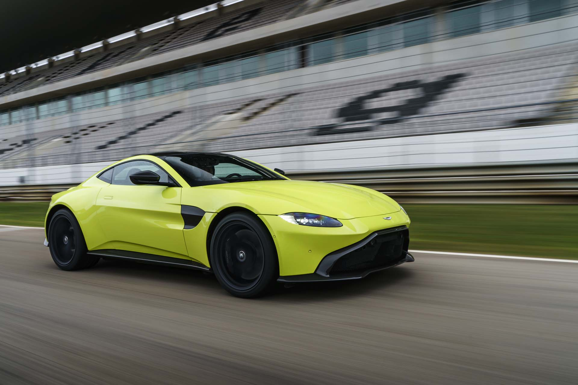 Aston Martin Vantage First Drive Review Tilting At Windmills - Aston martin vantage review