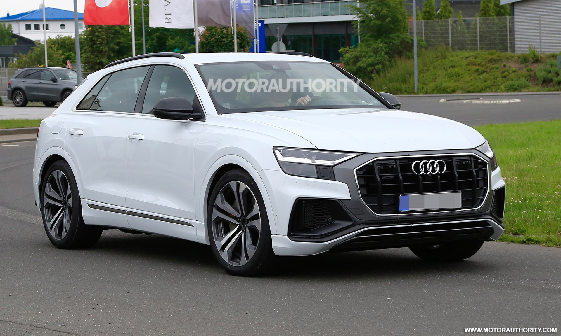 Audi Q4 Review >> 2019 Audi SQ8 spy shots and video