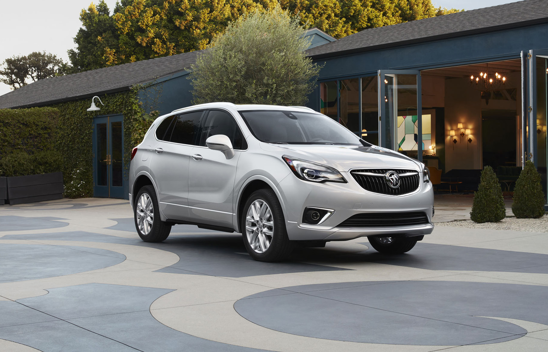 More gears, less money: 2019 Buick Envision updated