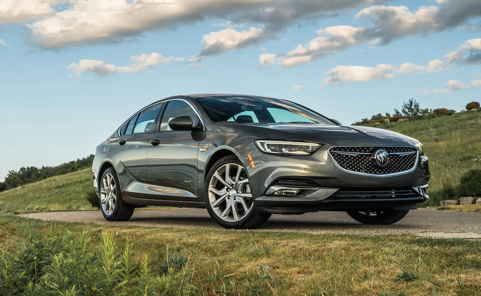 Buick Regal Sportback >> 2019 Buick Regal Sportback Avenir A Mid Size Full Luxe