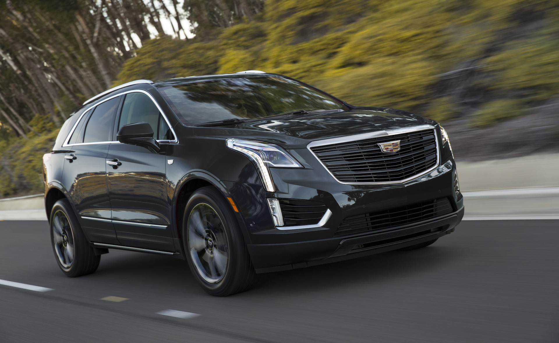 2019 Cadillac XT5 Sport Edition subtly adds style