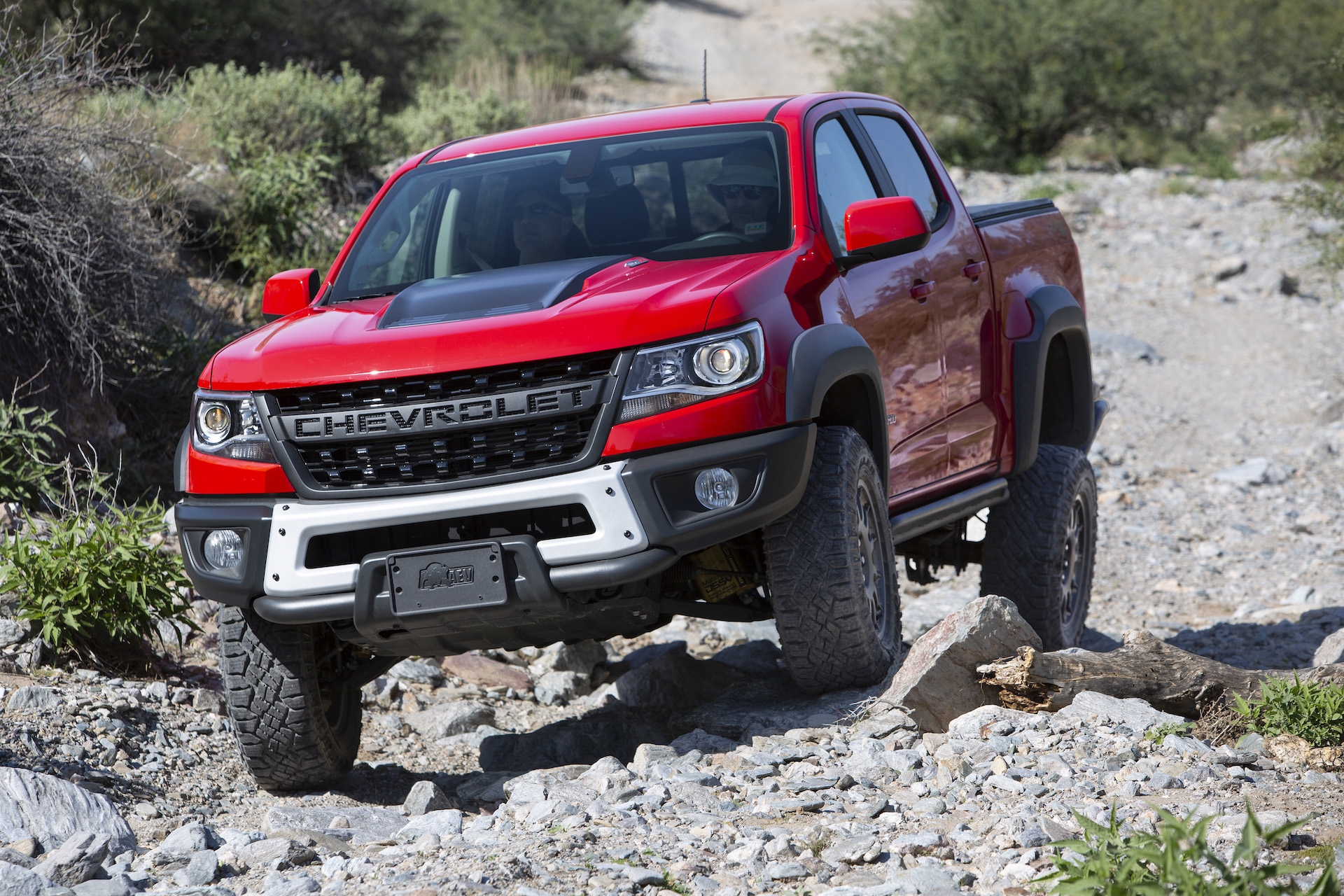 2019 Chevrolet Colorado Zr2 Bison First Drive Heavy Hitting In The