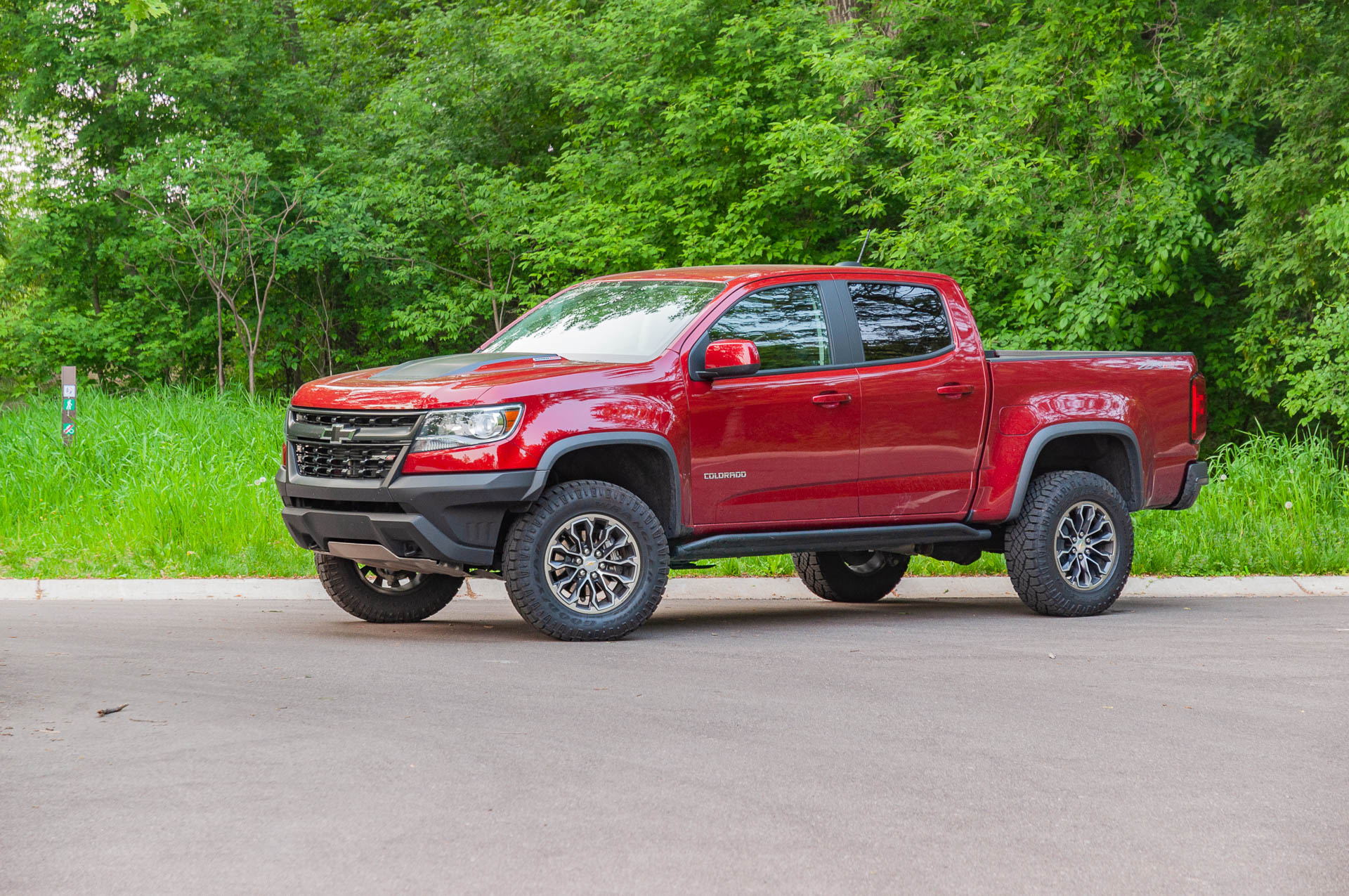 review update  the 2019 chevrolet colorado zr2 can tackle the concrete jungle