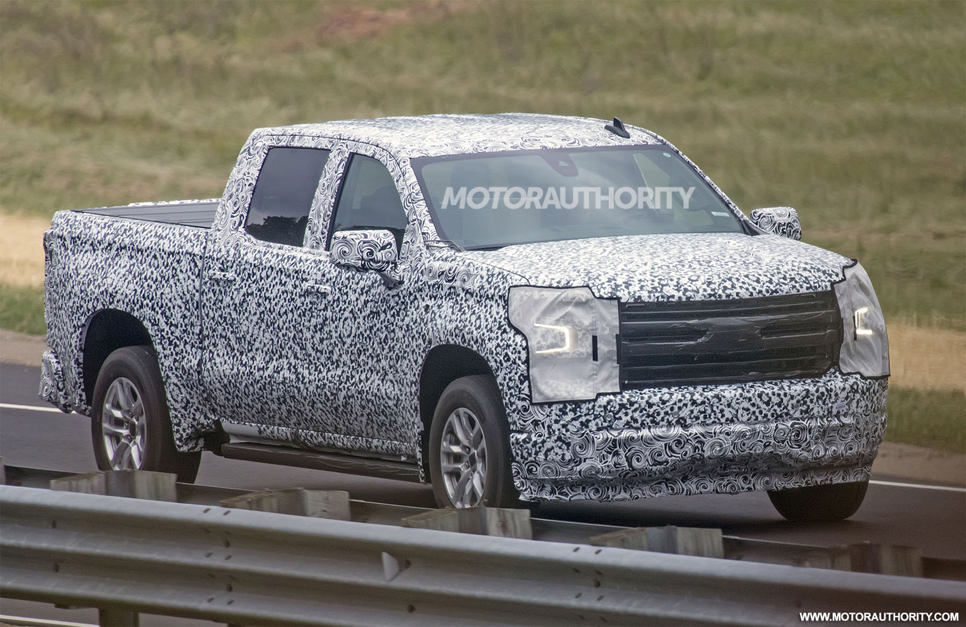 2019 chevrolet silverado 1500 spy shots. Black Bedroom Furniture Sets. Home Design Ideas