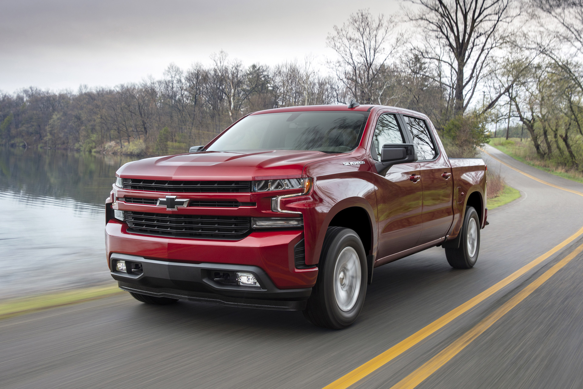 2019 Chevy Silverado will offer new turbo-4 that can run on 2 cylinders