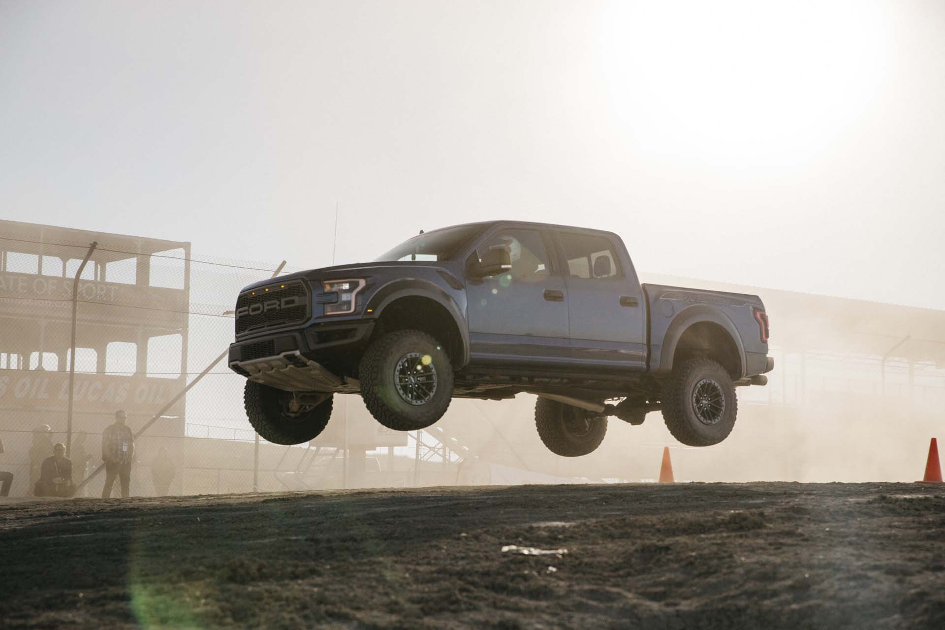 ford   raptor  drive review smarter faster  king