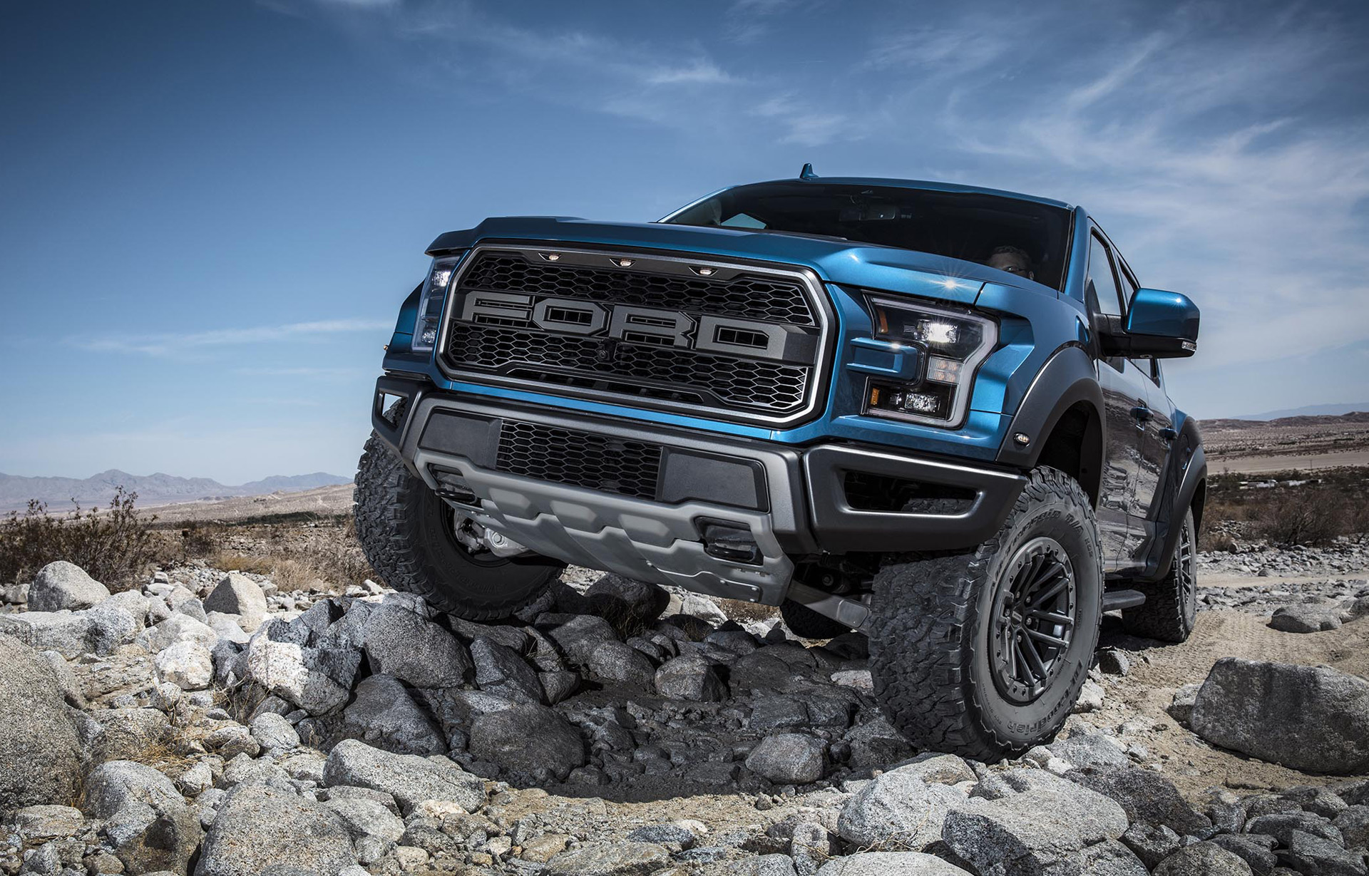 2019 Ford F 150 Raptor S New Trail Control Is Ideal For Rock Crawling
