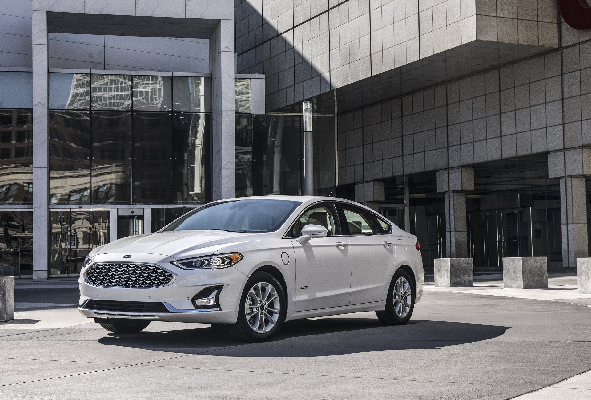 Ford recalls 2019 Fusion Energi over high-voltage shock risk