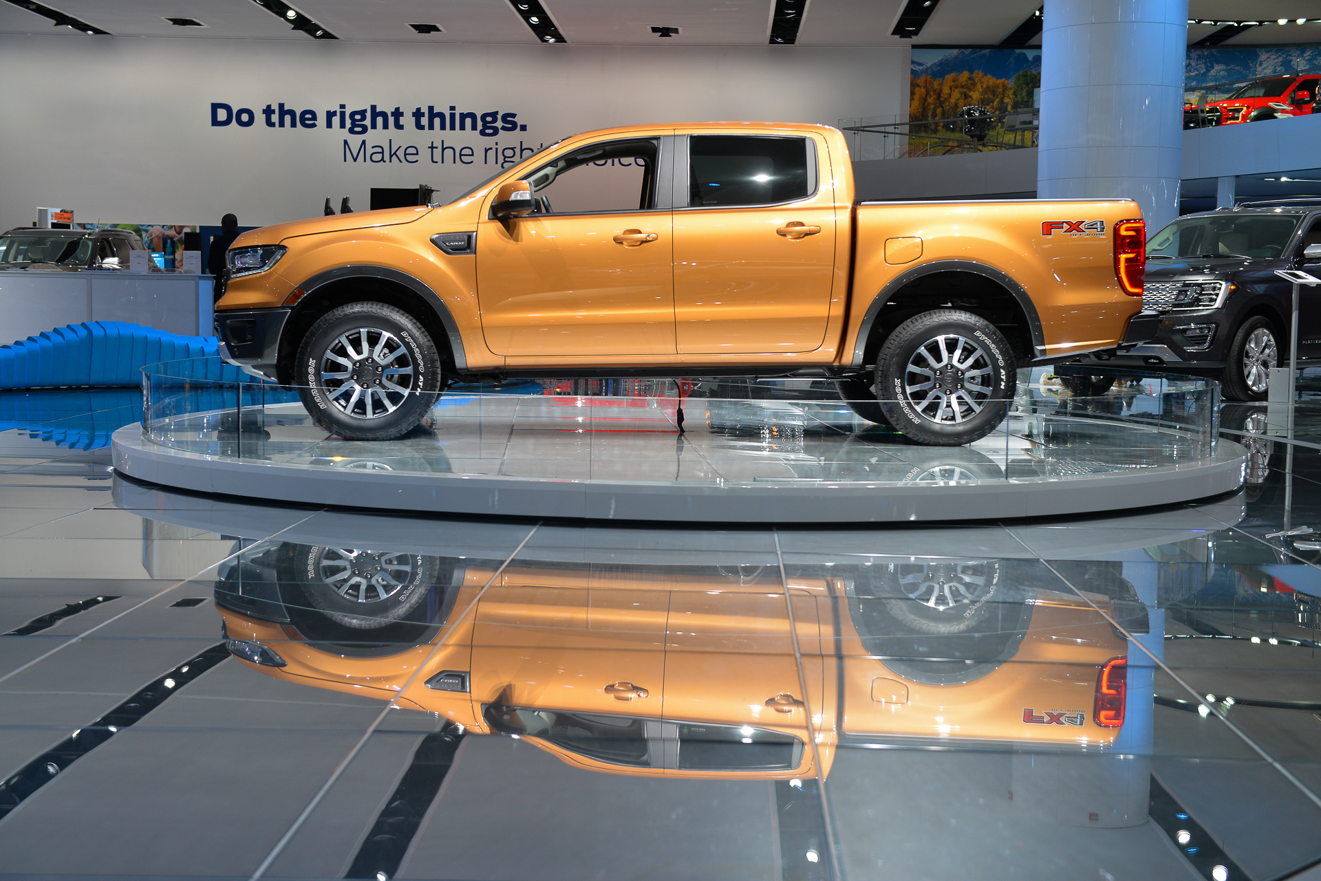 Dodge Pickup Trucks >> Ranger rides again: Ford introduces 2019 Ranger in Detroit