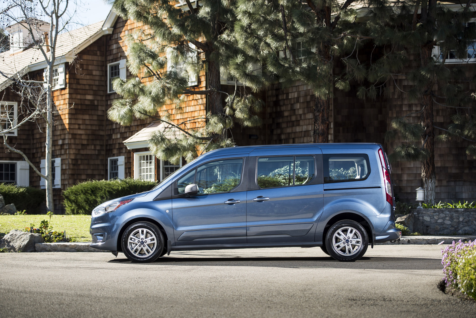 2019 ford transit connect wagon review ratings specs. Black Bedroom Furniture Sets. Home Design Ideas
