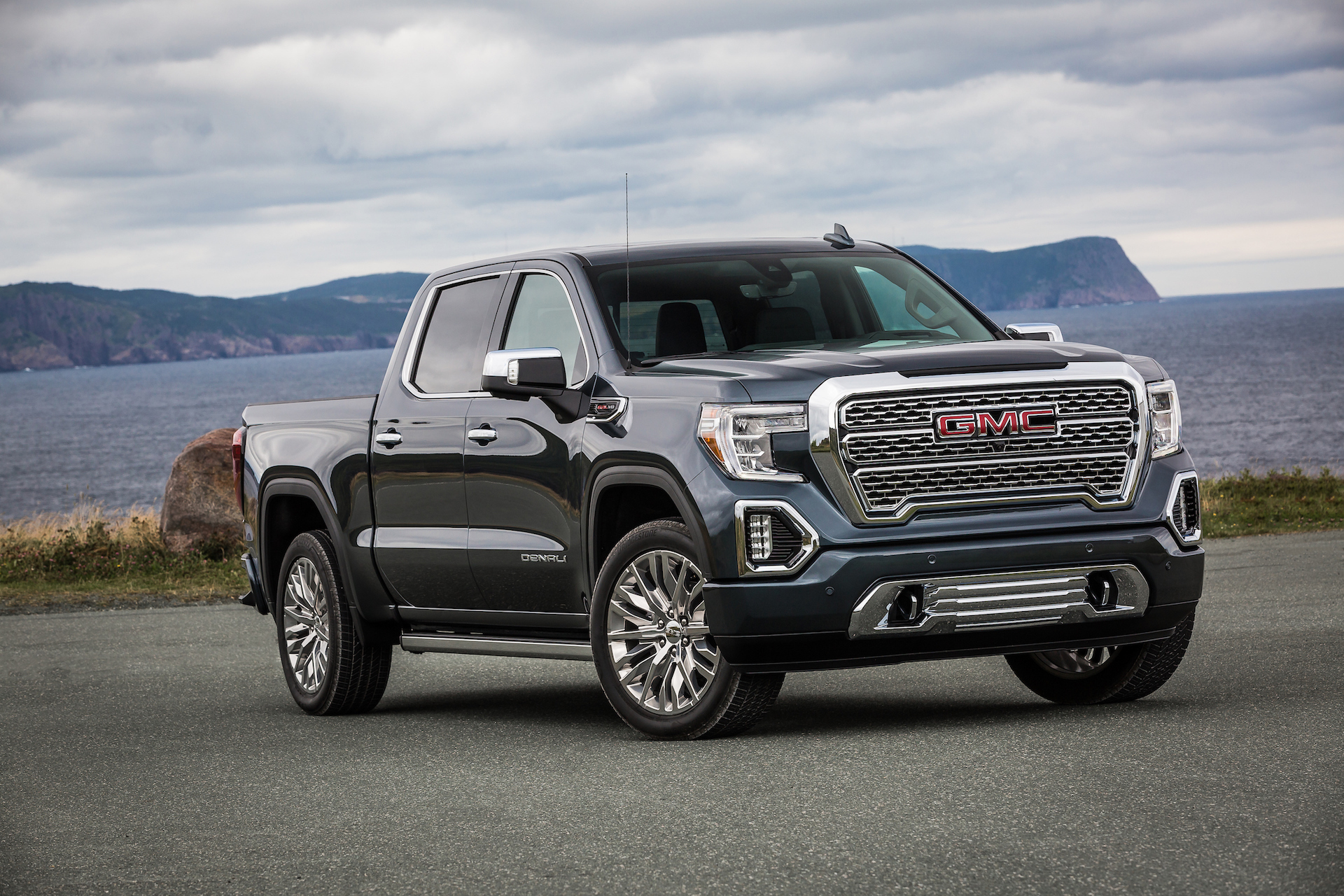 GM CEO confirms plans to build Chevy or GMC electric pickup