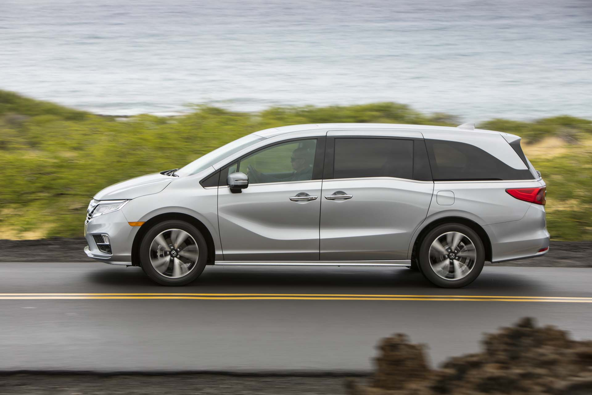 2019 honda odyssey review ratings specs prices and for 2019 honda odyssey