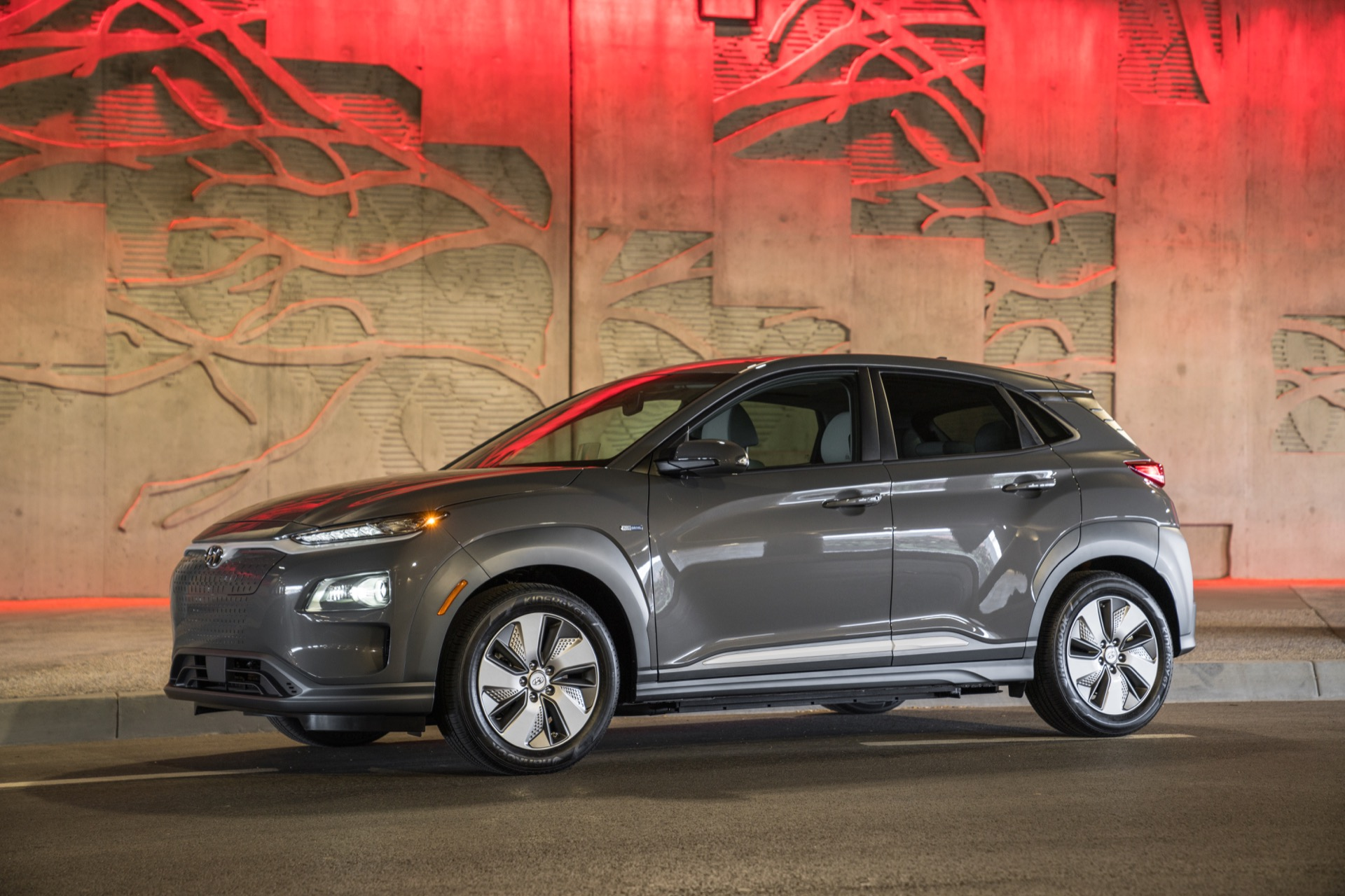 2019 Hyundai Kona Electric Price Tag Meets Chevy Bolt Ev Beats It
