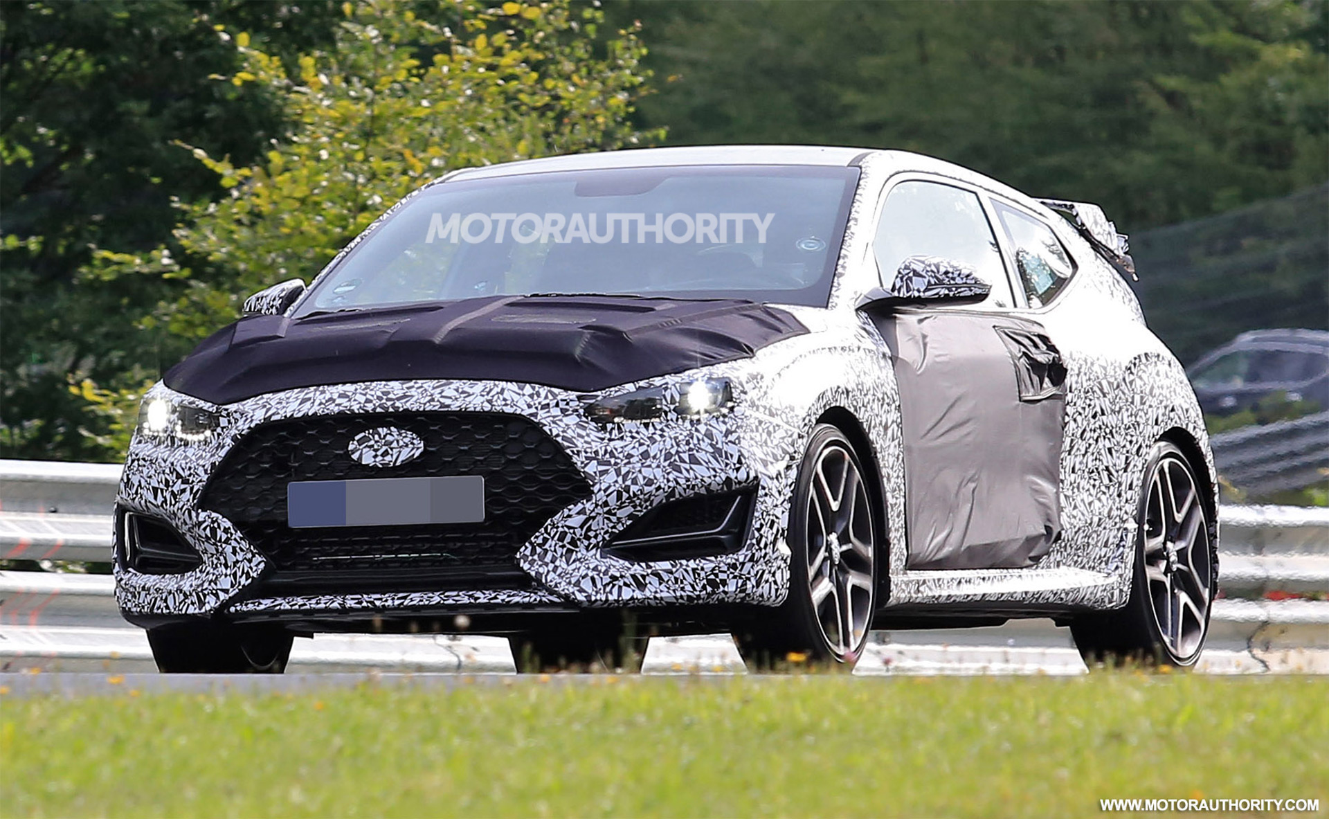 Land Rover Chicago >> 2019 Hyundai Veloster N spy shots and video