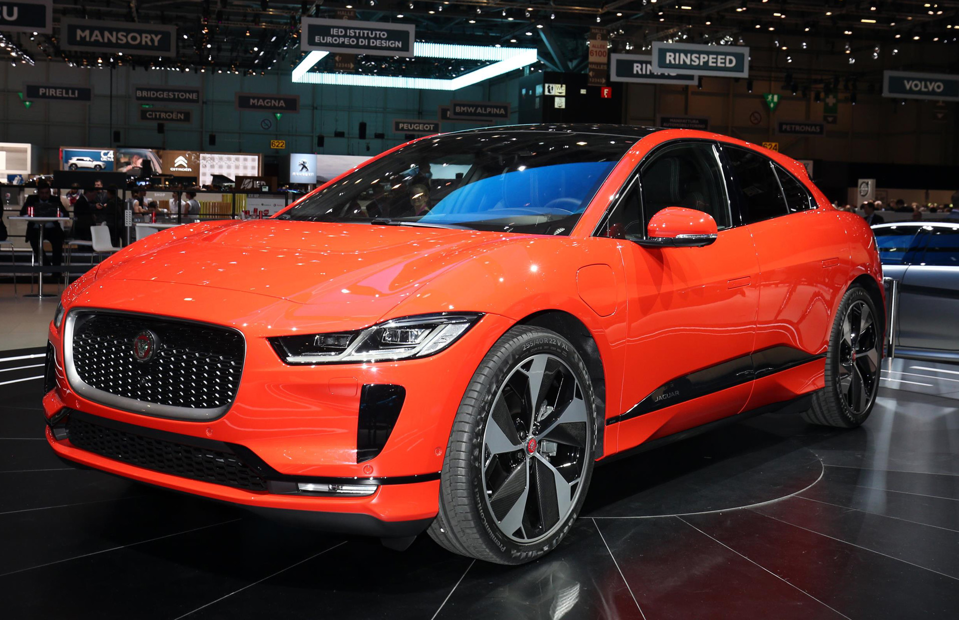 2019 jaguar i pace brief first drive of all electric luxury crossover. Black Bedroom Furniture Sets. Home Design Ideas
