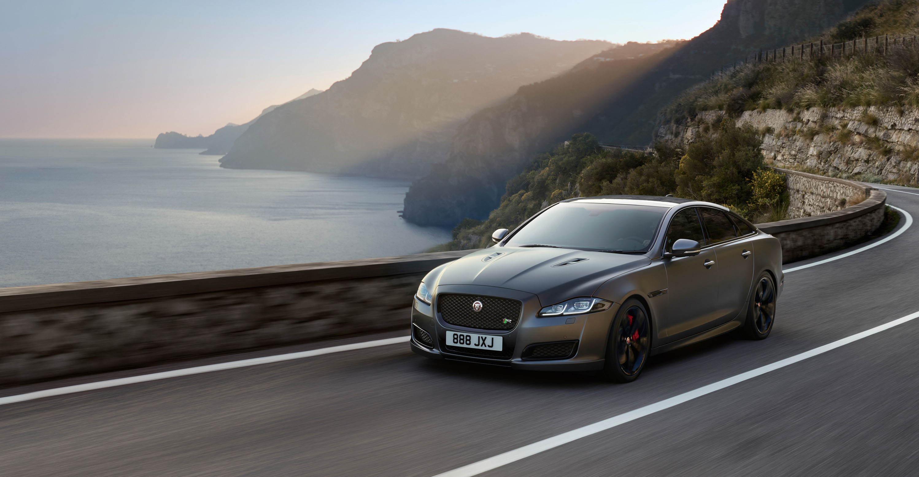 Jaguar Will Reportedly Follow Electric Xj With Gas Powered Models