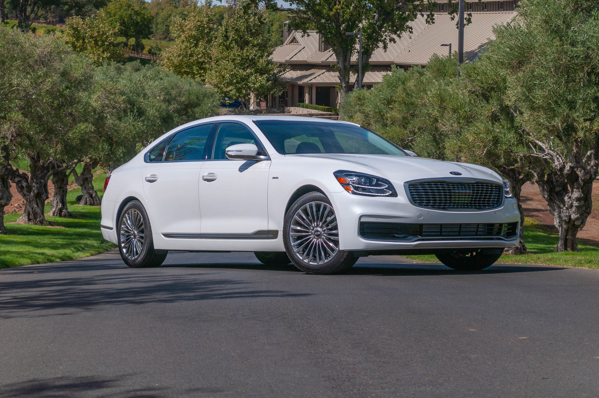 10 Reasons Why The 2019 Kia K900 Is Way Better Than Before