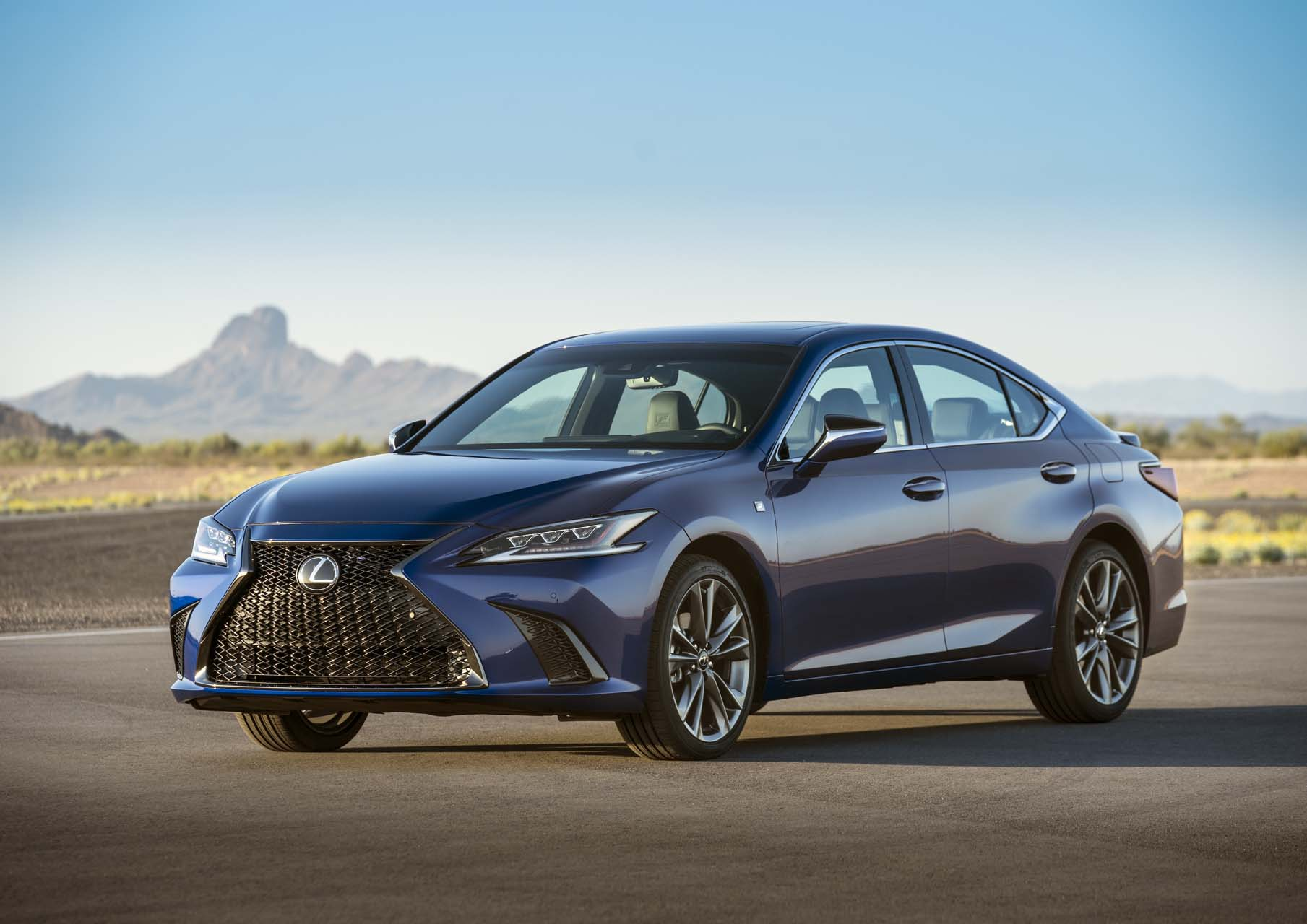 2019 lexus es first drive  a luxury staple breaks into three
