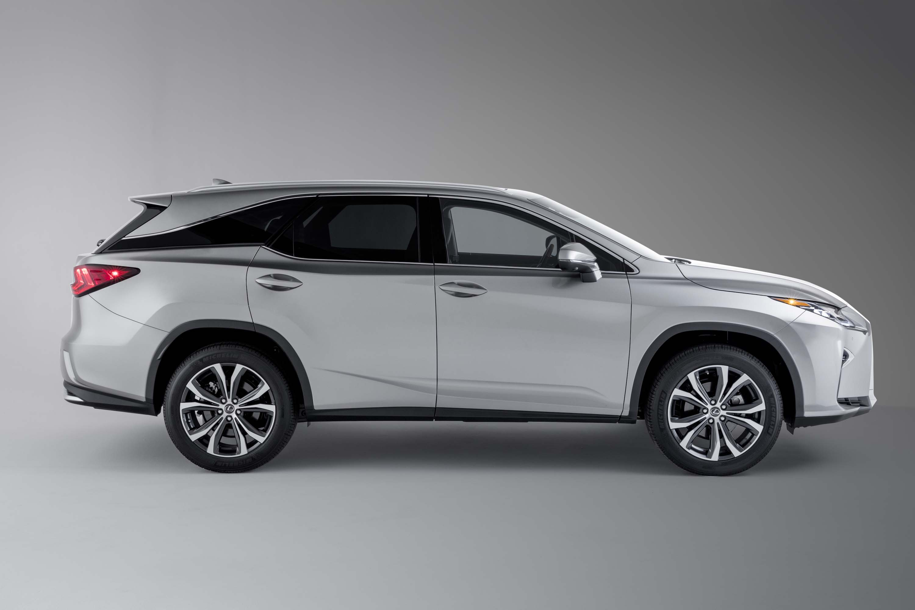 Lexus 3 Row Suv >> 2019 Lexus Rx Review Ratings Specs Prices And Photos