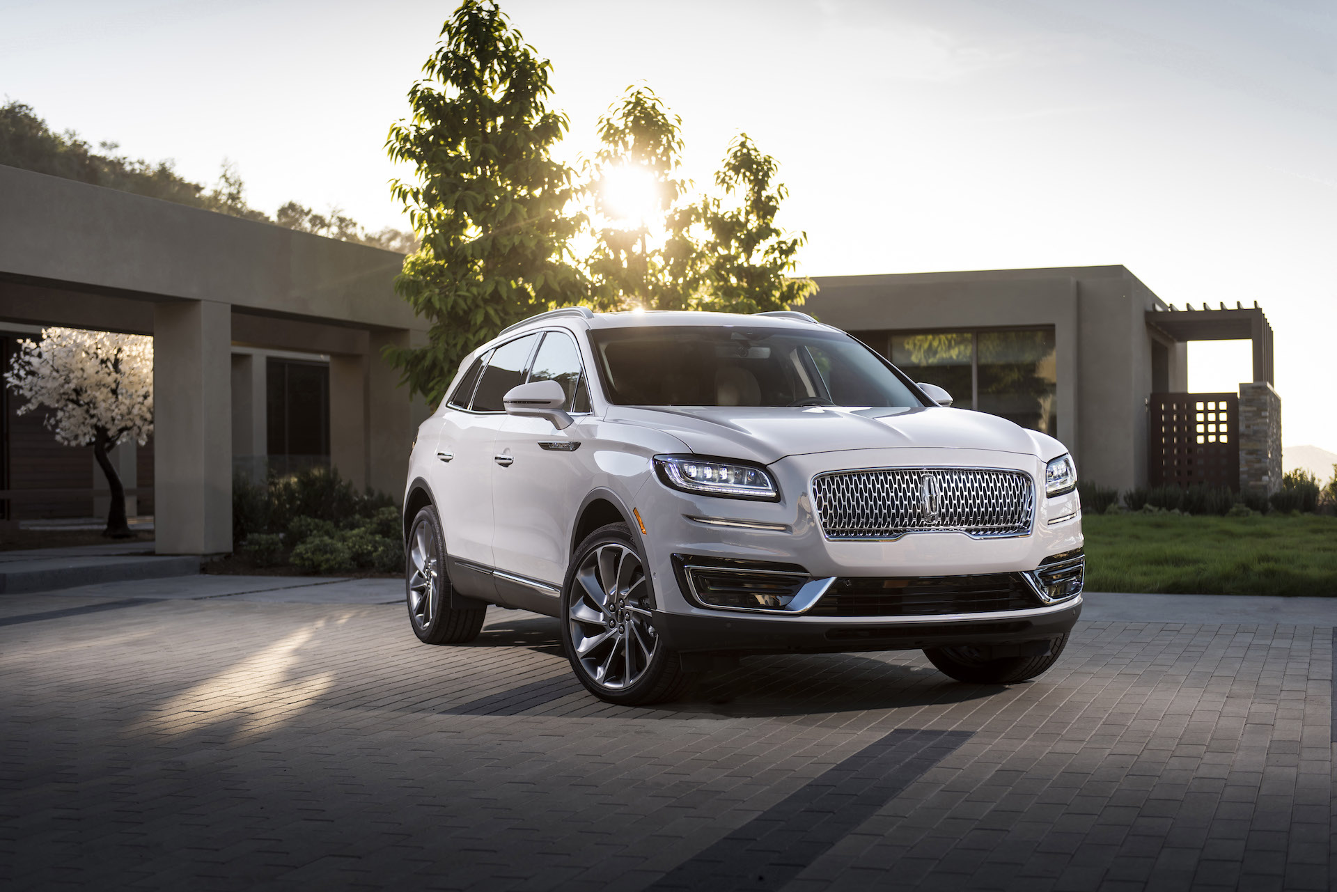 2020 Lincoln Nautilus Review, Price, Colors >> 2019 Lincoln Nautilus Priced To Start At 41 335