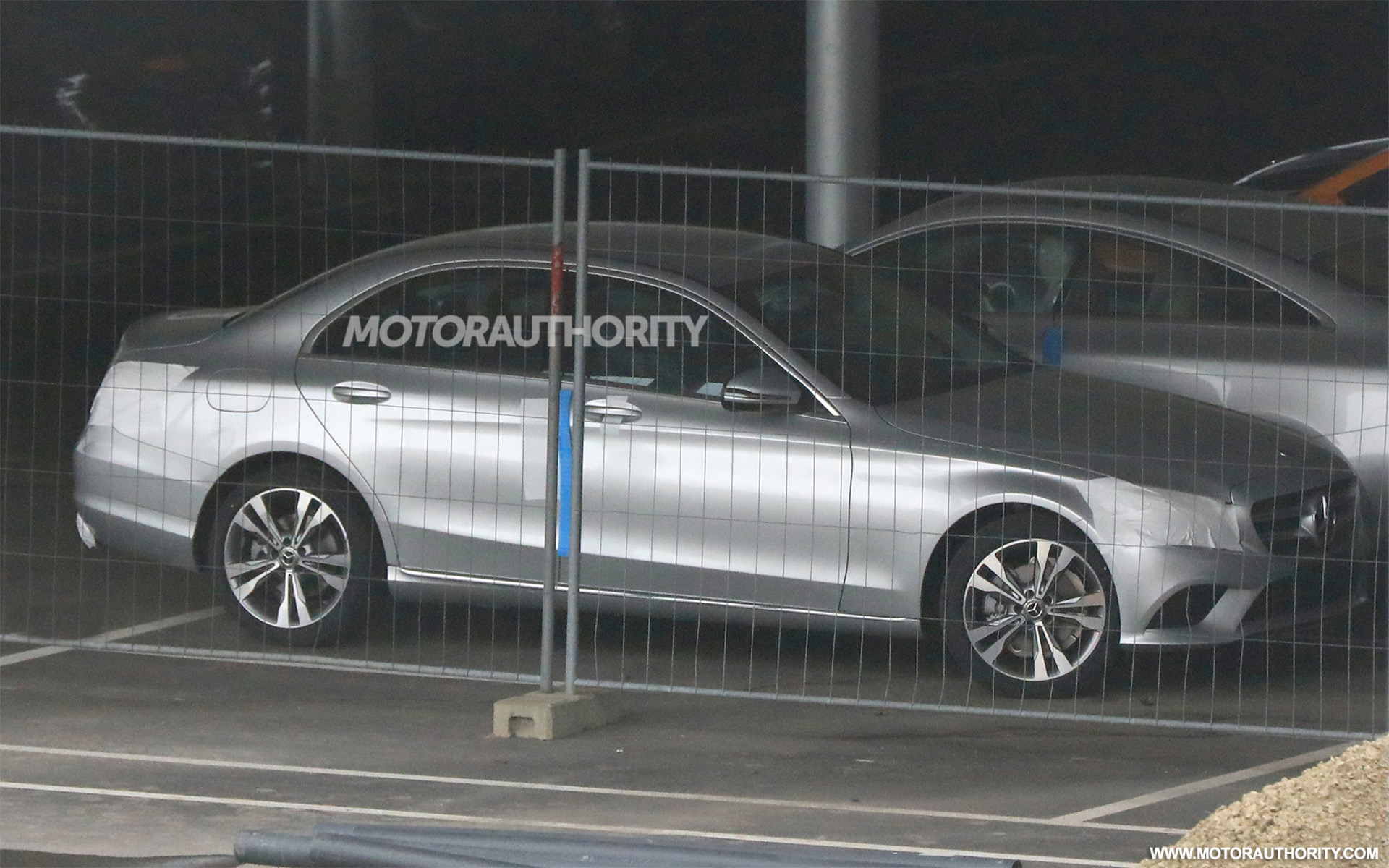 למעלה 2019 Mercedes-Benz C-Class spy shots GC-64